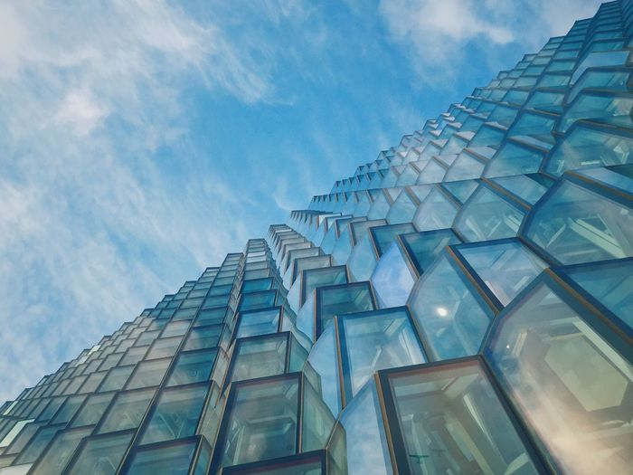 Harpa Travel Photography Traveling Travel Photooftheday Photography Photo Eyeemphotography EyeEmNewHere EyeEm Details Architectural Detail Building VSCO Harpa Reykjavik Architecture Glass Façade Harpa Reykjavik Iceland Architecture Low Angle View Built Structure Building Exterior Modern Reflection Sky No People City