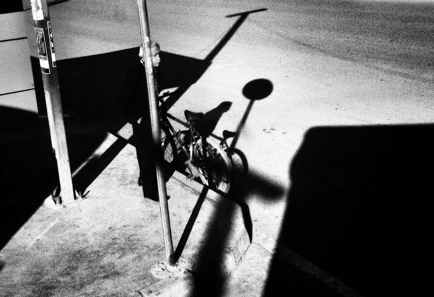Morning Shadow . Streetphotography Blackandwhite Odetomycity