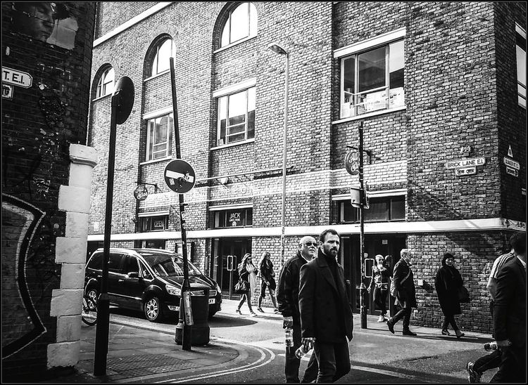 Untitled 11/3/2016 People Showing Imperfection Eastenders LONDON❤ Black And White Photography Upclose Street Photography Urban Exploration JackTheRipper Blackandwhite Loneliness