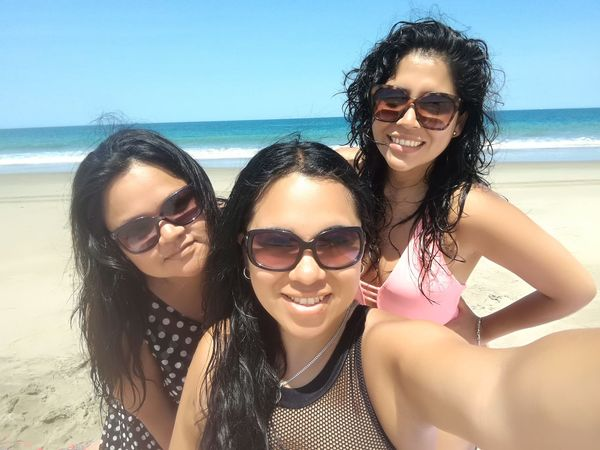 Amigas & Viajes Girls Ocean Swimsuit Blue Sky Summer Piura Peru Vichayito EyeEm Selects Sunglasses Beach Sea Vacations Summer Smiling Portrait Women Happiness Young Women Sand Beautiful People
