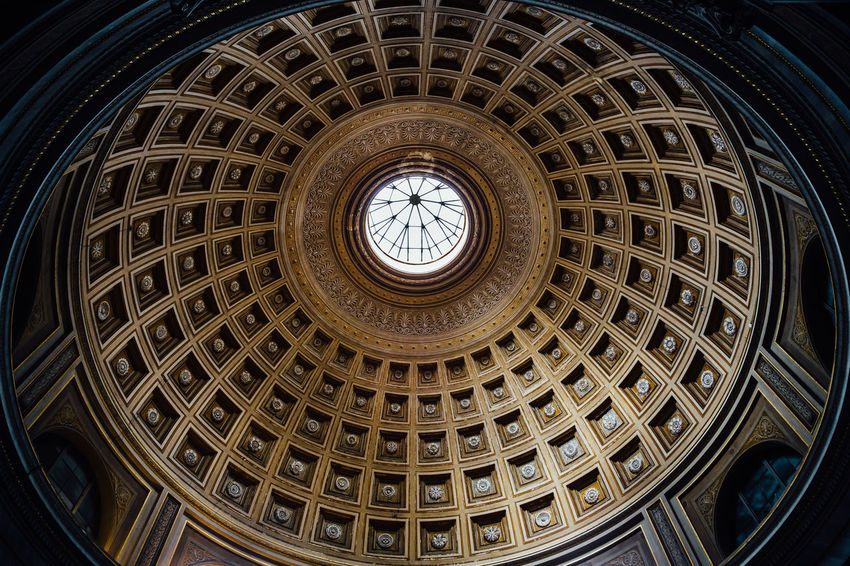 Circle Rome Travel Architectural Design Architectural Feature Architecture Built Structure Cupola Dome History Indoors  Low Angle View Museum No People Pattern Place Of Worship Travel Destinations Vatican Museum