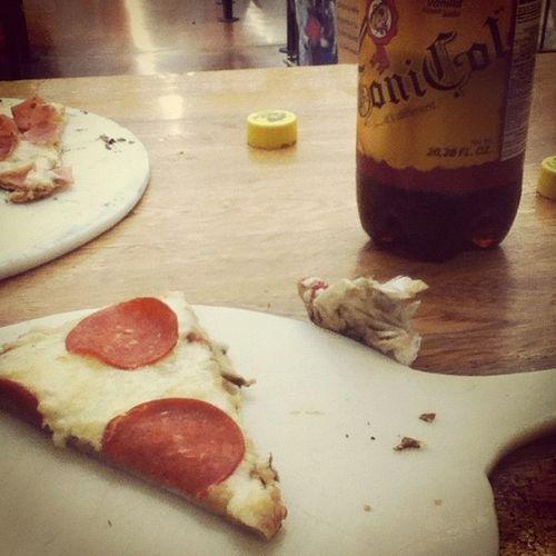 Pizza Alimentos Refresco Queso Peperoni Cola