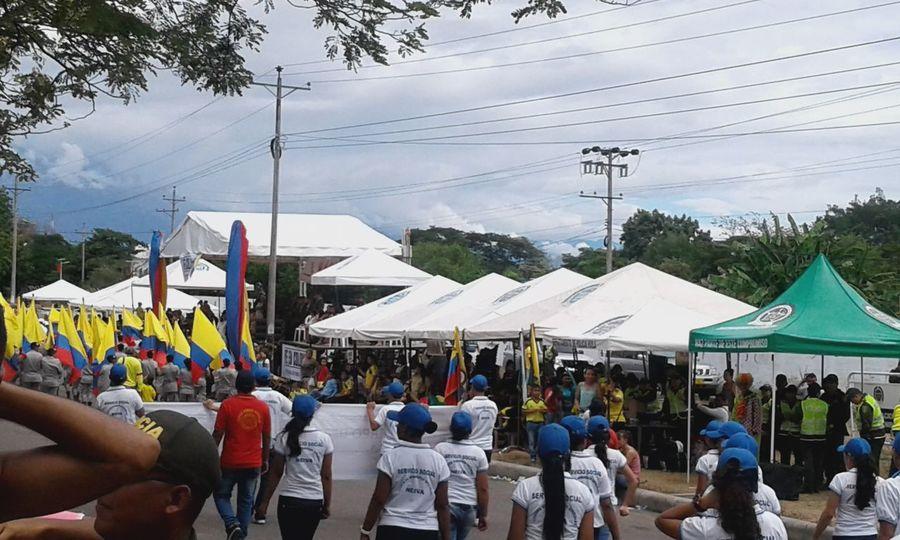 Desfile 20 de julio Police Army Style Army Life Policeman Police At Work Desfile Camuflage Banderas Bandera Estandarte Colombia ♥  Neiva Huila