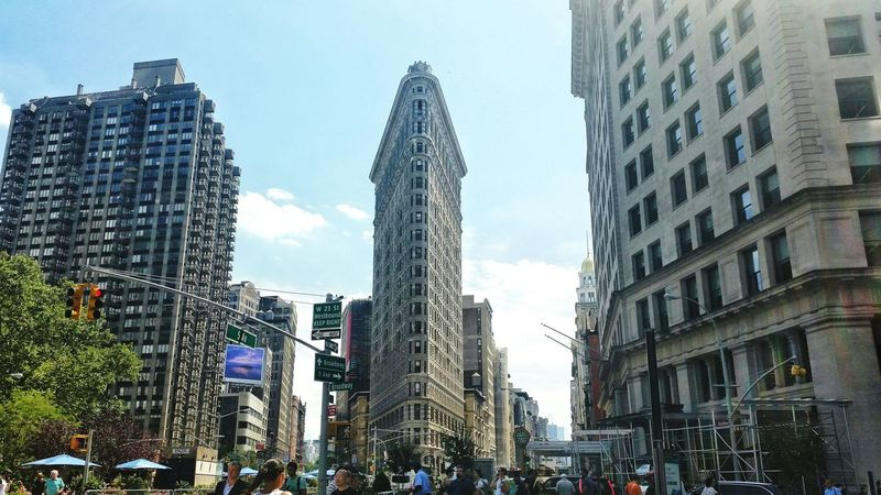 Enjoying The Sun Excercising Escaping Relaxing Getting In Touch Flatiron Building Flatiron District Flatiron Flatironbuilding View