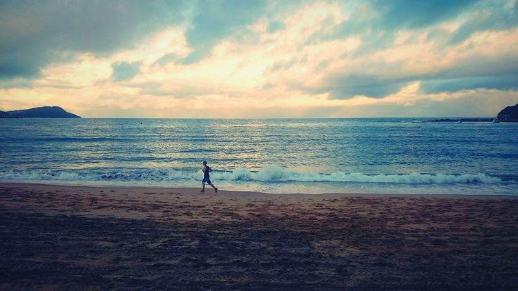 Soldier, when you fail, you get back up and try again. Even with the world betting their odds against you a million to one, you keep going. No excuses. Motivation Motivated Fitness Fit Noexcuses Inspired Inspirational Inspirational Quote Beach Morning Run Strength Power WILLPOWER Youth EyeEm Eyeemmotivation Believe