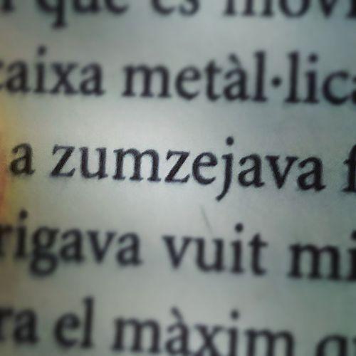 Paraules magnífiques que et trobes llegint. Zumzeig Zumzejava UnMónFeliç Aldoushuxley