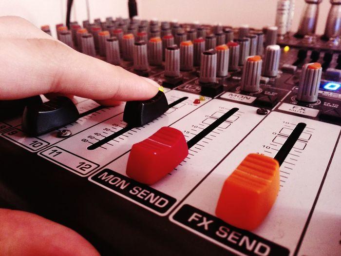 Hand adjusting regulators of professional mixer unit