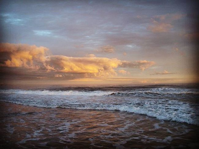 Solo en Cabopolonio . Ángulo opuesto a la Puestadesol | Opposite angle at Sunset Cabo Rocha Coast Ocean Oceanporn Beach Sunset Sunsetlovers Angle Differentangle Sky Skyporn Clouds Cloudporn Paisaje Landscape Uruguay Uruguaynatural Igersuruguay Uruguay_pais Audiovisualuruguay Picturemysky