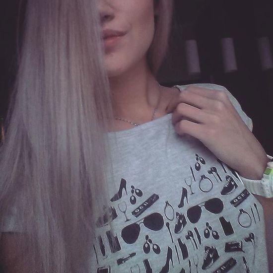 Platinum Color Silver  Tshirt Pasjonaciclothing Benefitcosmetics Kiss Polishwoman Instgood Instalike Selfie Hair White Swatch Dobrebopolskie