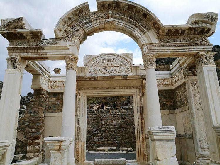 Medusa Wonderful View Helenistik Greek History Ephesus - Turkey Exciting Turkey Roman History Ephesus Ephesus Ruins Amazing View