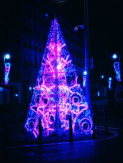 Marseillecity Marseilleinlove Instagood Illumin  Christmaslights Unjourunephoto Christmas Around The World Christmas Spirit Christmas Christmas Tree Christmas Decoration Celebration Night Decoration Illuminated Christmas Lights Holiday - Event Christmas Ornament Tradition Building Exterior Tree No People