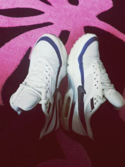 mums 20 year old air max's fit me, yay! Airmax Old Cute