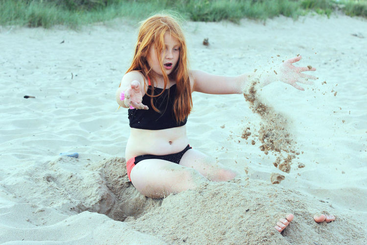 Beach Childhood Fun Girl Happiness Leisure Activity Lifestyles Redhair Sand Sand & Sea Sea Summer Sommergefühle Mix Yourself A Good Time Be. Ready. This Is Family Visual Creativity Summer Exploratorium
