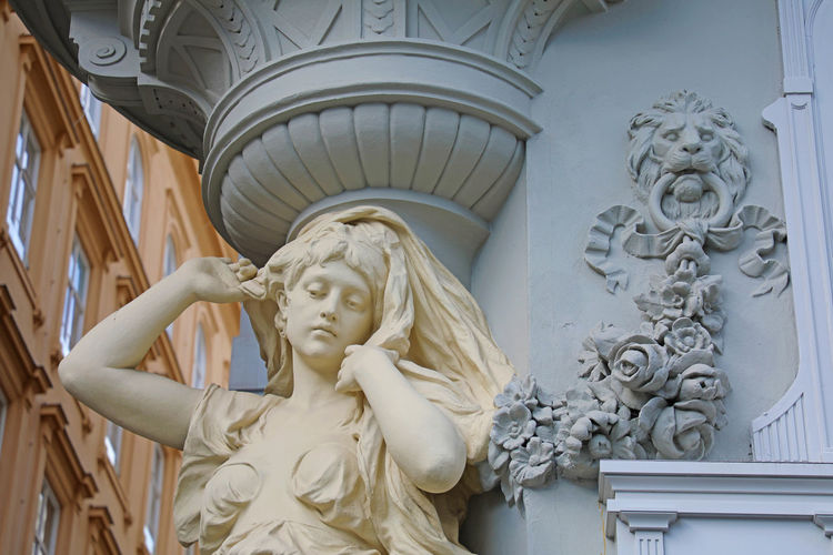 detail statue in Vienna, Austria Sculpture Statue Art And Craft Representation Human Representation Creativity Male Likeness Female Likeness Architecture Craft Carving - Craft Product No People Built Structure History Low Angle View The Past Day Indoors  Stone Material Religion Angel Ornate Vienna Austria Vienna, Austria