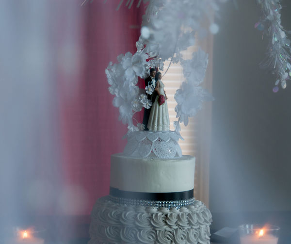 Close-up selective shot of wedding cake