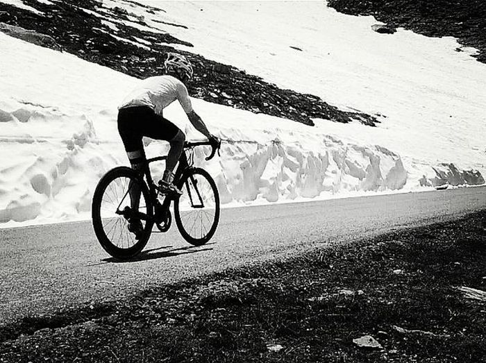 More snow this summer than now... Something going wrong.. Colledellagnello Mountainroad Hardclimb Bianchi Campagnolo Sidi Vittoriatyres Montagna Mountain Alps Piemonte Rapha Strava Snow Neve Nevergiveup Vscocam Blackandwhite Biancoenero Bnw Bnwitalian  Giro