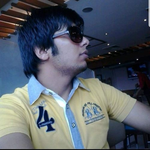 Old Is Gold 4 Year Ago Selfie ✌ EyeEm Selects Adult 2k13 Handsome Headshot Men Arts Culture And Entertainment Close-up Cool Attitude Funky Head And Shoulders Glasses Pensive
