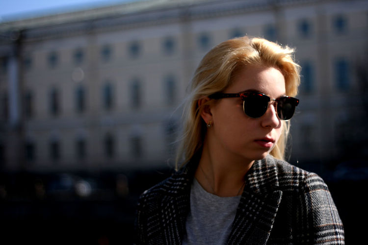 Notposing Noposing The Portraitist - 2018 EyeEm Awards Young Women Beautiful Woman Portrait Beauty Blond Hair Beautiful People Females Glamour Fashion Sunglasses Thoughtful