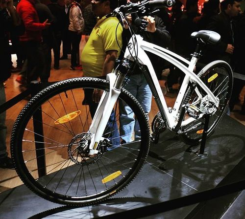 Mercedes Bicycle....🚴🚴🚲🚲 @mercedesbenz Mercedes Autoexpo2016 Picoftheday Photooftheday Vscocam Vscogood VSCO Vscocamphotos Vscogram VSCOPH Vscobikes Vscocam _soidelhi _soi _____________________________ Pearlwhite Bicycle Bicycleschangelives Bicycles Outdoors India DelhiGram Greaternoida Themotorshow 2wheellife twowheeldynasty