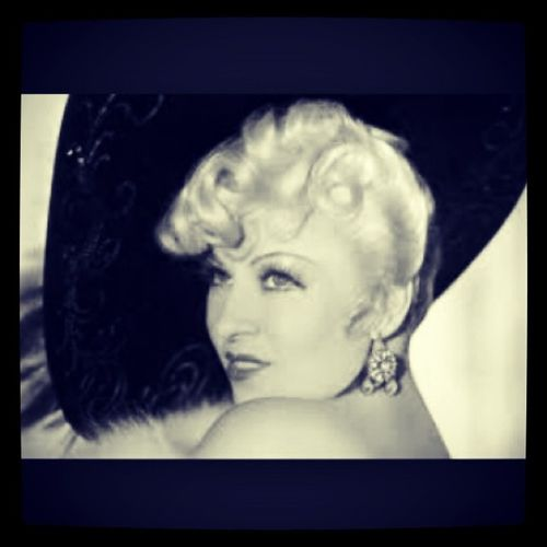"""""""Men are my hobby, if I ever got married I'd have to give it up."""" 《Mae West》 MaeWestMonday Shemyfav Oldhollywood Beautiful Loveher Real"""