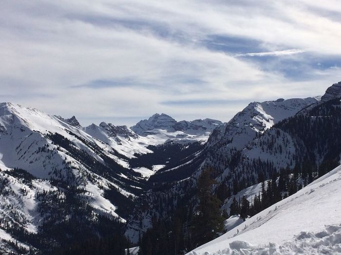 EyeEm Selects Snow Cold Temperature Mountain Winter Weather Tranquility Nature Cloud - Sky Tranquil Scene Beauty In Nature Sky Scenics Mountain Range Day Outdoors Snowcapped Mountain No People Landscape Natgeo Natgeotravel Aspen Maroonbells Maroon Bells Colorado