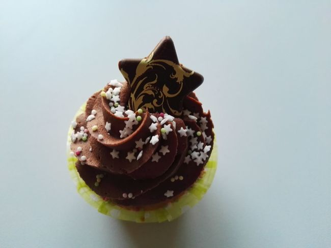 cupcake Christmas Happy New Year Sweet Food Dessert Chocolate Indulgence Food And Drink Food Cake Cupcake Dessert Topping No People Glazed Food Close-up Temptation Unhealthy Eating EyeEm Ready   AI Now Food Stories