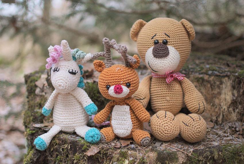 My photography crew 😍 Stuffed Toy Teddy Bear Rentier Reindeer Nature Outdoors Natur Focus On Foreground No People Toy Spielzeug Teddy Unicorn Einhorn