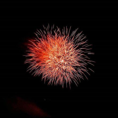 Lighting up the sky like a solar flare... Happy 4th! Fireworks Happy4th Solarflare Clifton Nj Nikon Teamnikon D3200 Longexposure Adobe Lightroom