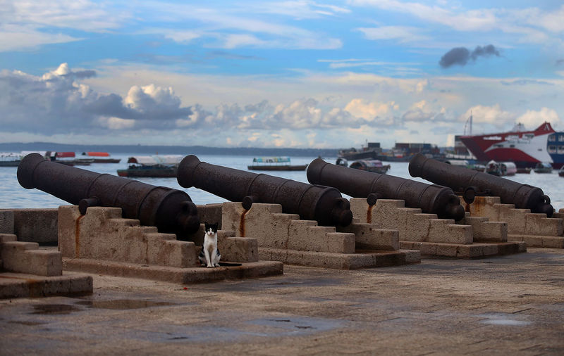 View of fort against cloudy sky