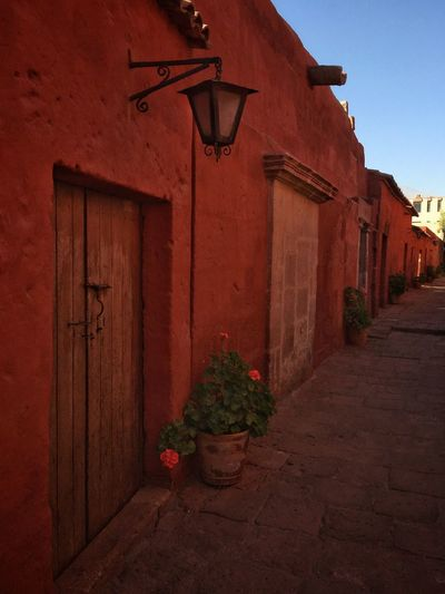 Monasterio de Santa Catalina Red Travel Traveling IPhone Peru Andes Convent Monastery Nunnery Arequipa
