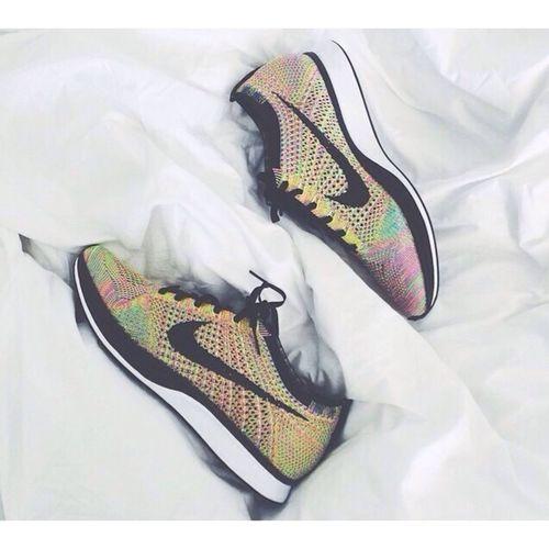 Nike Flyknitracer Muliticolor Sneakers 🙏