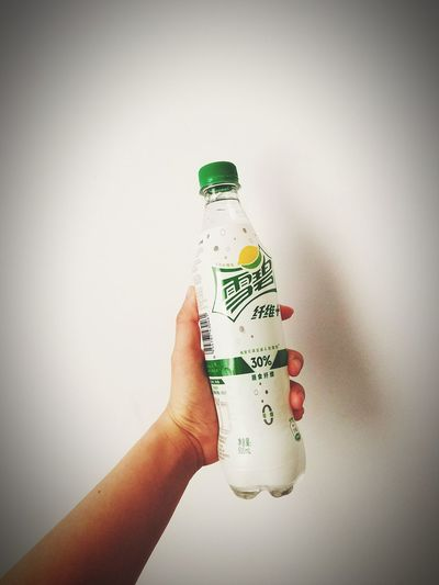 Bottle Drink Sprite Taking Photos 了解一下?