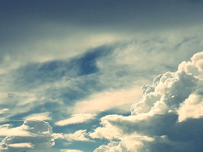 Blue Heaven Sky Cloud - Sky Cumulus Cloud Sky Only Shining The Great Outdoors - 2018 EyeEm Awards The Photojournalist - 2018 EyeEm Awards EyeEmNewHere