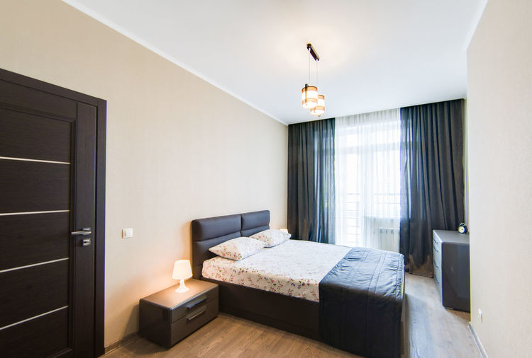 Furniture Domestic Room Home Interior Luxury Modern Home Showcase Interior Indoors  Wealth Absence Architecture Home Lighting Equipment Bedroom No People Bed Built Structure Elégance Door Entrance Day Electric Lamp Flooring Wood Ceiling