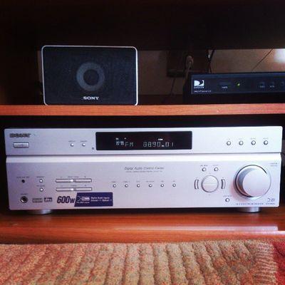 Disfrutando del Lollapaloozacl a todo volumen en casa. Hometheater Sony