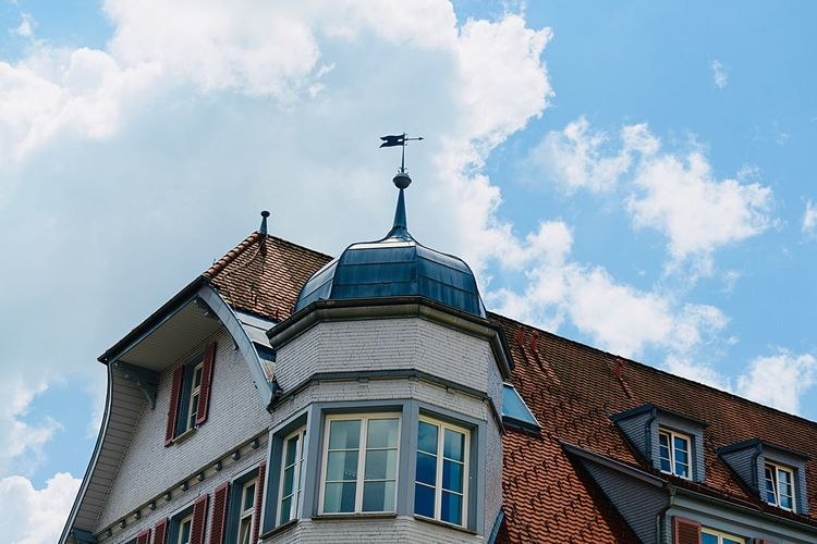 Residential Building Residential District Historical Building Building Exterior Built Structure Architecture Sky Cloud - Sky Low Angle View Building No People History The Past Outdoors Travel Destinations Day City