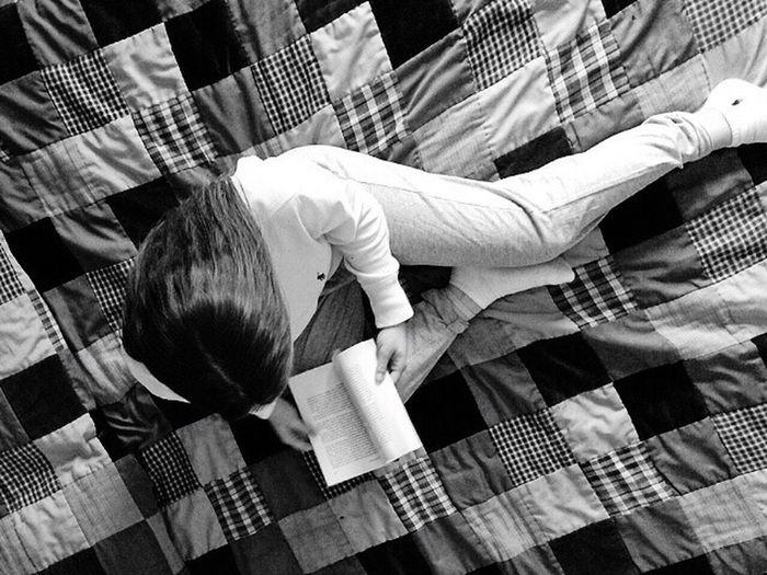 Non hai bisogno di vedere l'intera scalinata. Inizia semplicemente a salire il primo gradino. Bed Bedroom Book Relaxing Pijama Ralph Lauren Blackandwhite
