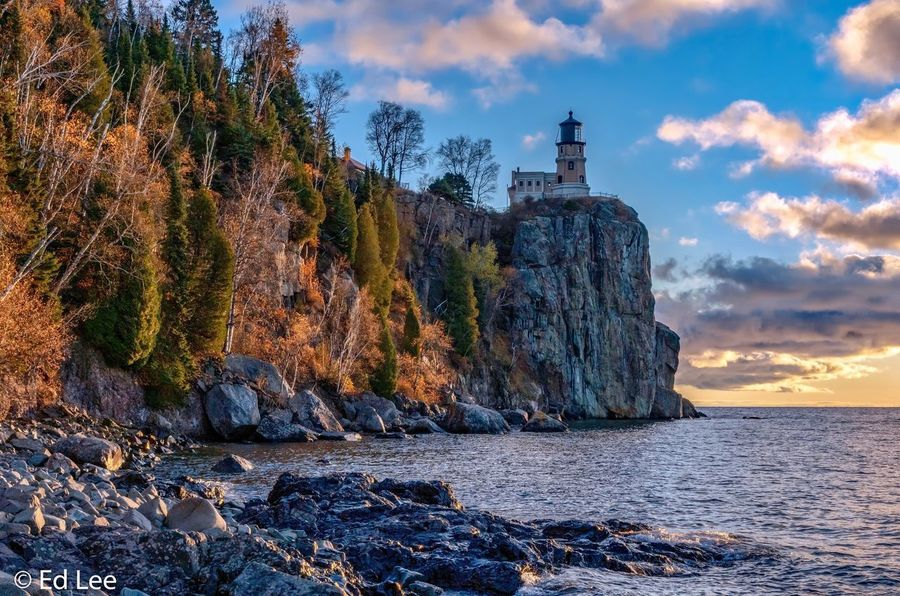 Split Rock at sunrise Sunrise_sunsets_aroundworld Sunrise Lighthouse_lovers Lighthouse Nature Landscape_Collection Nature Photography Beauty In Nature Streamzoofamily Malephotographerofthemonth Sky Cloud - Sky Architecture Built Structure Nature Water Building Exterior