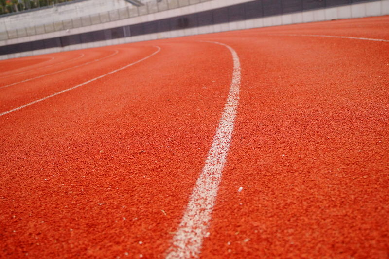 Surface level of running track