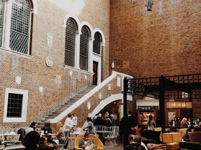 Interior Views Showcase March Modern Modern Furnishings VSCO Cafe Kresge Court Indoor Cafe Detroit Detroit Michigan People Watching People Photography Enjoying Life Light BYOPaper!