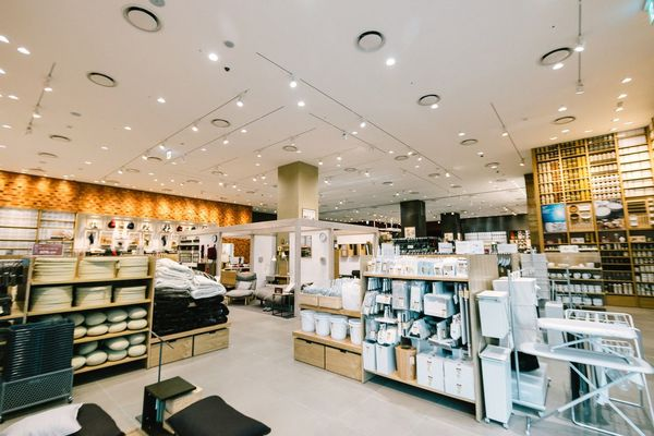 One of the largest MUJI store I've been to. Heaven of home furnishings Muji Store Furniture Shopping Shopping Shopping Mall Lotte Getting Inspired Interior Design Heaven Minimalism