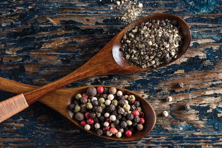 Ground pepper and peppercorns No People Food Close-up Spice Ground Pepper Peppercorns Seasoning Wood Ingredient Spoon Isolated Wooden