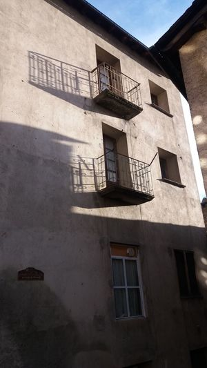 Built Structure Window Architecture Building Exterior Shadow Low Angle View No People Sunlight Outdoors Day Residential Building Sky EUR Europe
