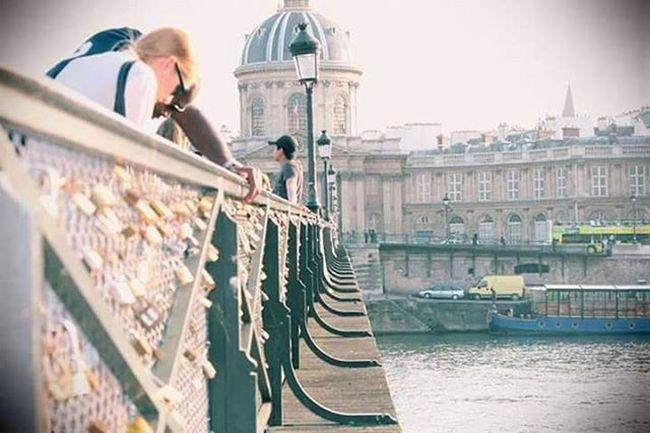 Alguien dijo que el olvido esta lleno de memoria...🔒🌉 Paris Instagood Instadaily Instagram Parispontdesarts Paris2012 Photooftheday Album December Recuerdos Instamood Candados Love Trips Travelgrams France