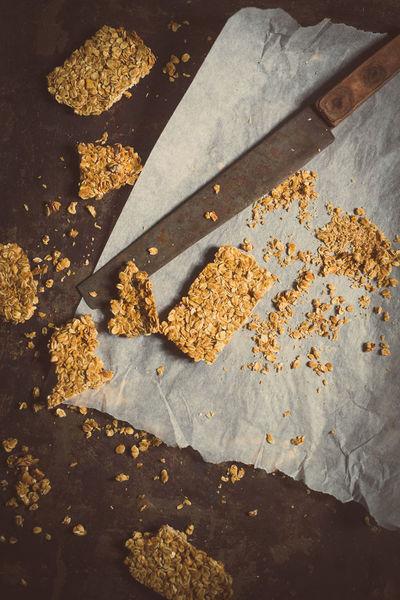 oats bars Bars Break Breakfast DIY Energy Food Foodporn Grain Grainy Gym Health Healthy Healthy Eating Healthy Food Healthy Lifestyle Homemade Ingredient Knife Oat Oats Oats - Food Oats Bars Protein Vegan Whole