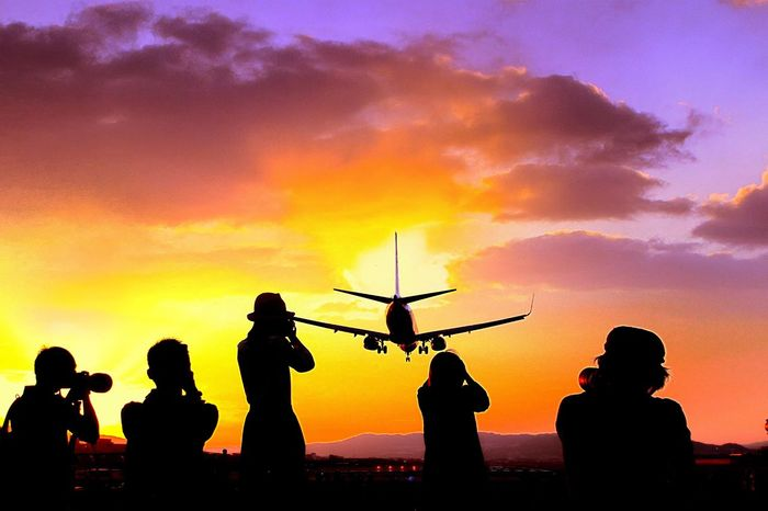 伊丹空港千里川 夕暮れ 千里川 伊丹空港 Sky Sunset Orange Color Real People Nature
