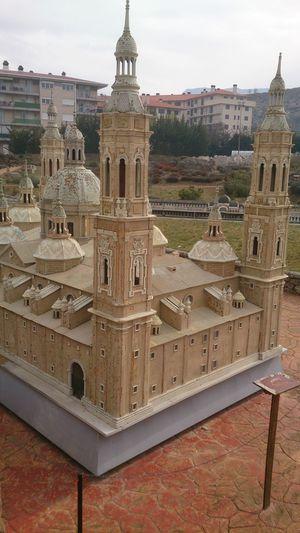 Una Maqueta de la Basílica Del Pilar en Pirenariun en Sabiñanigo