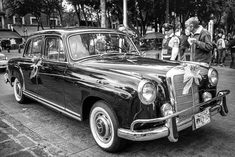 Blackandwhite Street Photography Car Vintage Cars Popular Photos Streetphoto_bw EyeEm Gallery