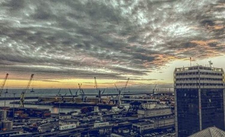 Genova App Appdelgiorno Filtri Spettacolo Italy Italia Sky Citta Cityscape Instalike Nuovieffetti