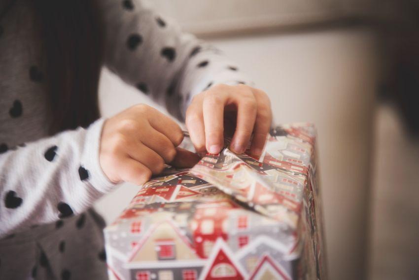 Gift EyeEm Best Shots EyeEm Selects EyeEm Gallery EyeEm Best Shots EyeEm Hands Love Christmastime Christmas Time Holding Human Hand Real People Day People